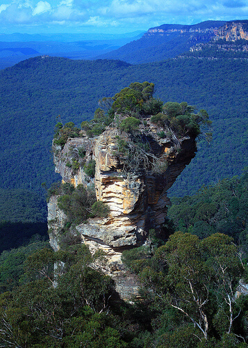 Orphan rock in Blue Mountains rock formation